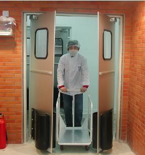 铝塑板自由门